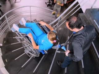 Silla sube escaleras eléctrica PT Plus - escaleras tipo caracol - Smart Motion S.A.S.