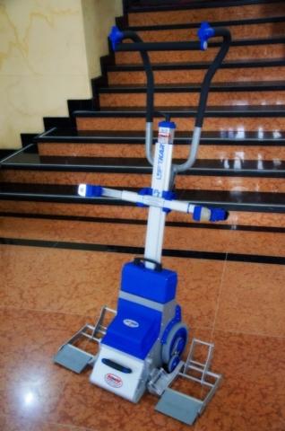Silla sube escaleras eléctrica PT Plus - teatro Colón Bogotá - Smart Motion S.A.S.