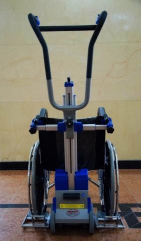 Silla sube escaleras eléctrica PT Plus parte trasera y silla de ruedas - teatro Colón Bogotá - Smart Motion S.A.S.
