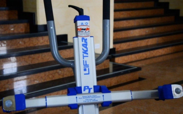 Silla sube escaleras eléctrica PT Plus - manillar - Smart Motion S.A.S.